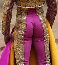 bullfighter_behind