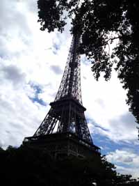 eiffel_tower_evacuated